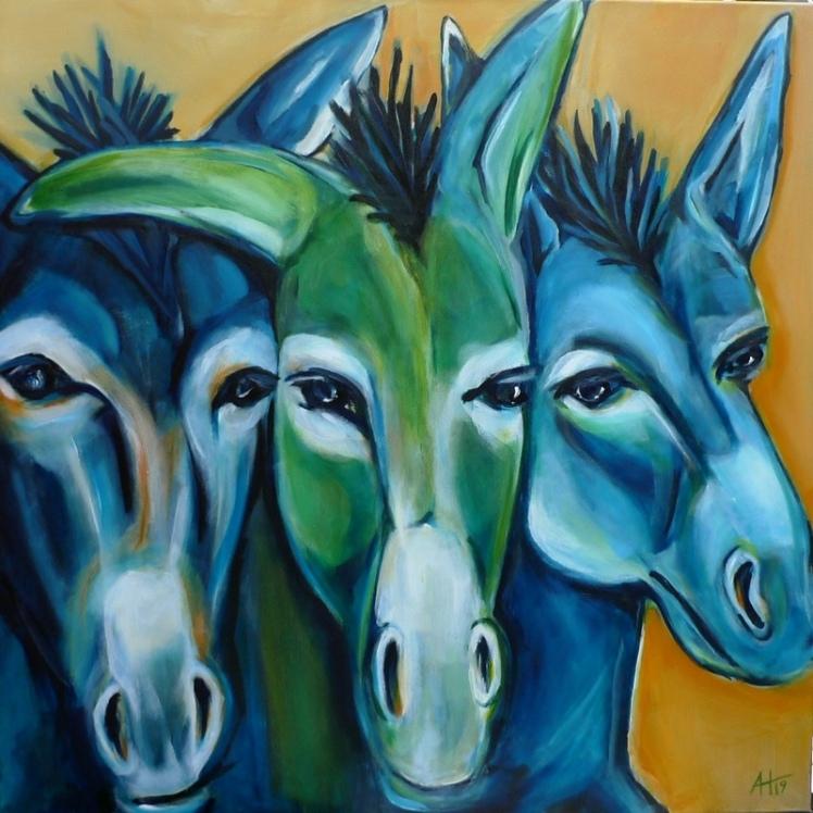 drei blaue graue